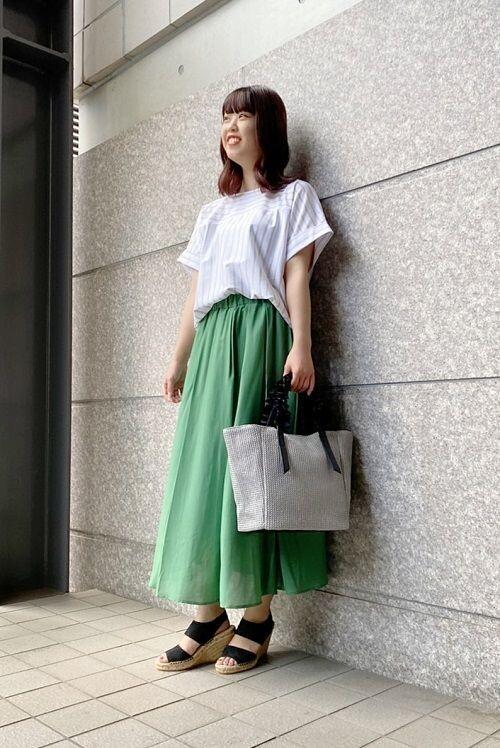 大人気★カラースカートコーデ