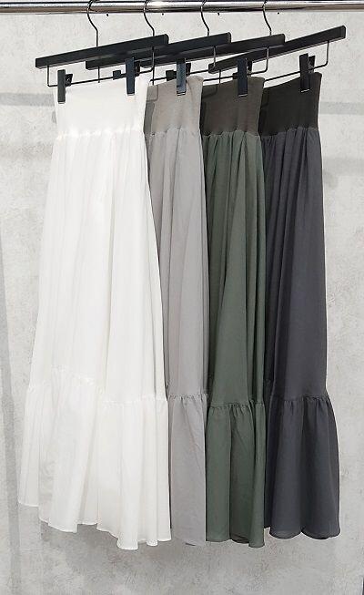 大人気☆ロゴTシャツ×ロングスカート