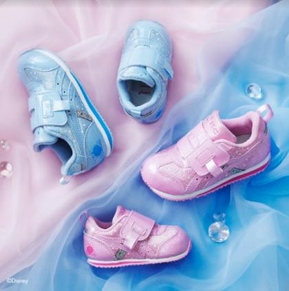 ☆小さなプリンセスたちへ!Disneyプリンセス「シンデレラ」をモチーフにした子ども靴を発売☆